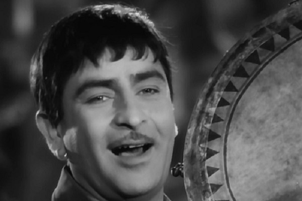 A still from the iconic songs of Raj Kapoor