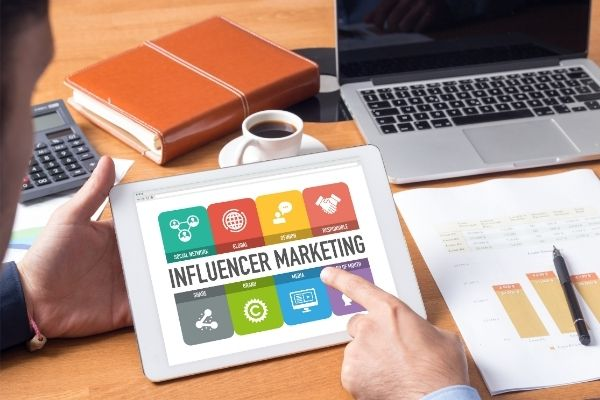 Tracking the brand and the products for influencer marketing
