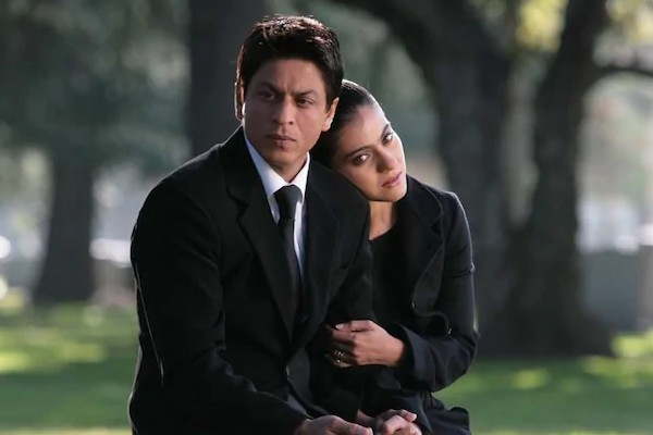 A still from the song Sajdaa